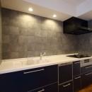 収納力がもたらす シンプルで豊かな暮らしの写真 キッチン