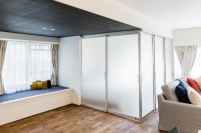 寝室の扉 (家で過ごす時間をもっと特別なものに ホテルライクな暮らし)