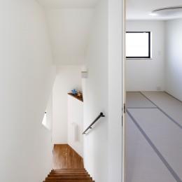 リビングから5段下は母専用のリビング (阿倍野の長屋  – 「5段の距離がいい」<リノベーション> –)