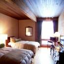 水上高原のヴィラ (ndesignと協同設計)の写真 ゲストベッドルーム