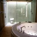水上高原のヴィラ (ndesignと協同設計)の写真 バスルーム