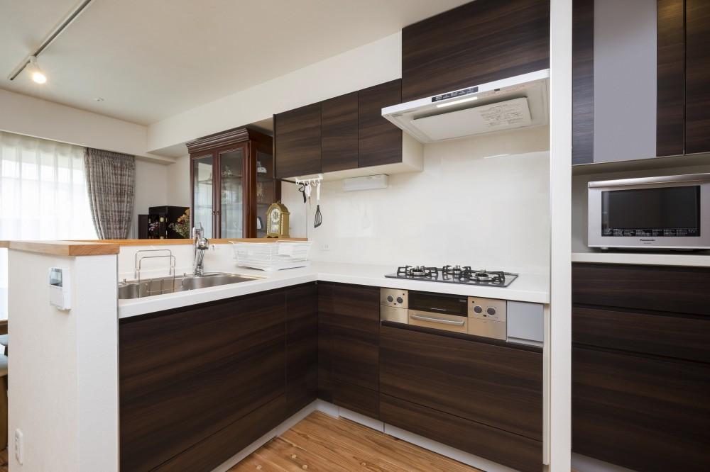 「理想の家に住みたい」という夢を叶えた、前向きリノベーション (キッチン)