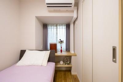 寝室 (「理想の家に住みたい」という夢を叶えた、前向きリノベーション)