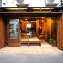GUEST HOUSE とろとろ 空堀商店街の写真 すぐに畳に座れるオープンスペース。