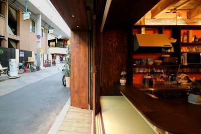 ファサード左側 (GUEST HOUSE とろとろ 空堀商店街)