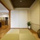 お気に入りの家具との暮らし。活かすのは職人技の造作の写真 収納