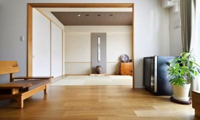 お気に入りの家具との暮らし。活かすのは職人技の造作 (和室)