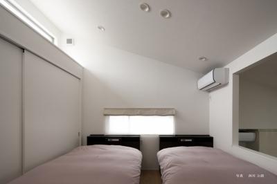 寝室 (若林の家)