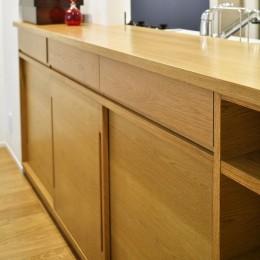 お気に入りの家具との暮らし。活かすのは職人技の造作 (キッチンカウンター)