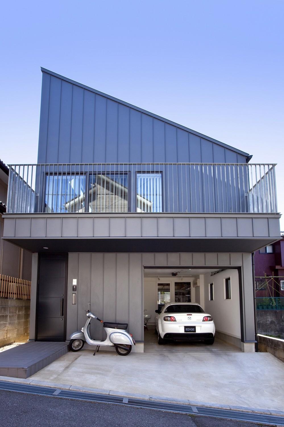 建物外観 (八千代の住宅 子育て世代のガレージハウス)