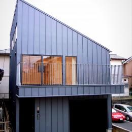 八千代の住宅 子育て世代のガレージハウス (建物外観)