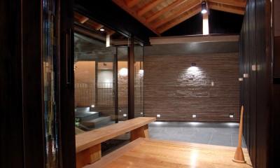 エントランスホール|雷山の別荘 絶景を楽しめる和モダンの別荘