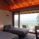 雷山の別荘 絶景を楽しめる和モダンの別荘の写真 天井の高いゲストベッドルーム