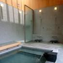 雷山の別荘 絶景を楽しめる和モダンの別荘の写真 温泉浴室