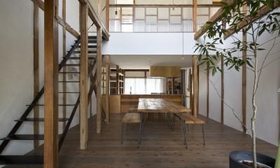 Renovation in Nekogahora / 天井と壁を取り払い構造補強により豊かさを得た住宅兼店舗