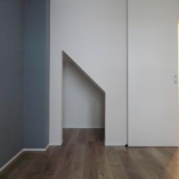 L型キッチンがご自宅の中心に。家族で囲むゆったり団らんスペース (寝室)