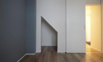 寝室|L型キッチンがご自宅の中心に。家族で囲むゆったり団らんスペース