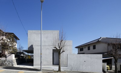 高台の家 –コンクリート打ち放し –