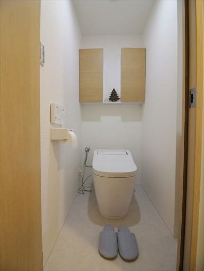 トイレ (広いシューズインクローゼット)