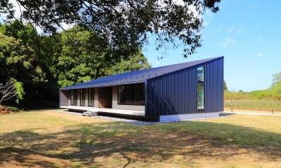 建物外観(南西から)|佐倉の週末住宅 子育て世代の自然の中の週末住宅