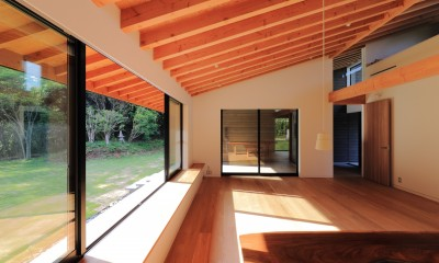 リビングダイニング|佐倉の週末住宅 子育て世代の自然の中の週末住宅