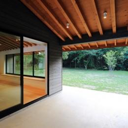 佐倉の週末住宅 子育て世代の自然の中の週末住宅 (エクステリアダイニング)