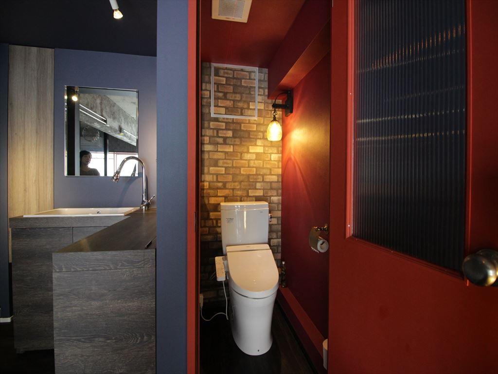 バス/トイレ事例:トイレ(上品ブルックリン風、プライベートルーム)