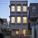 一級建築士事務所アトリエmの住宅事例「Shabby House  – パリのアパルトマンと酒部屋のある家 –」