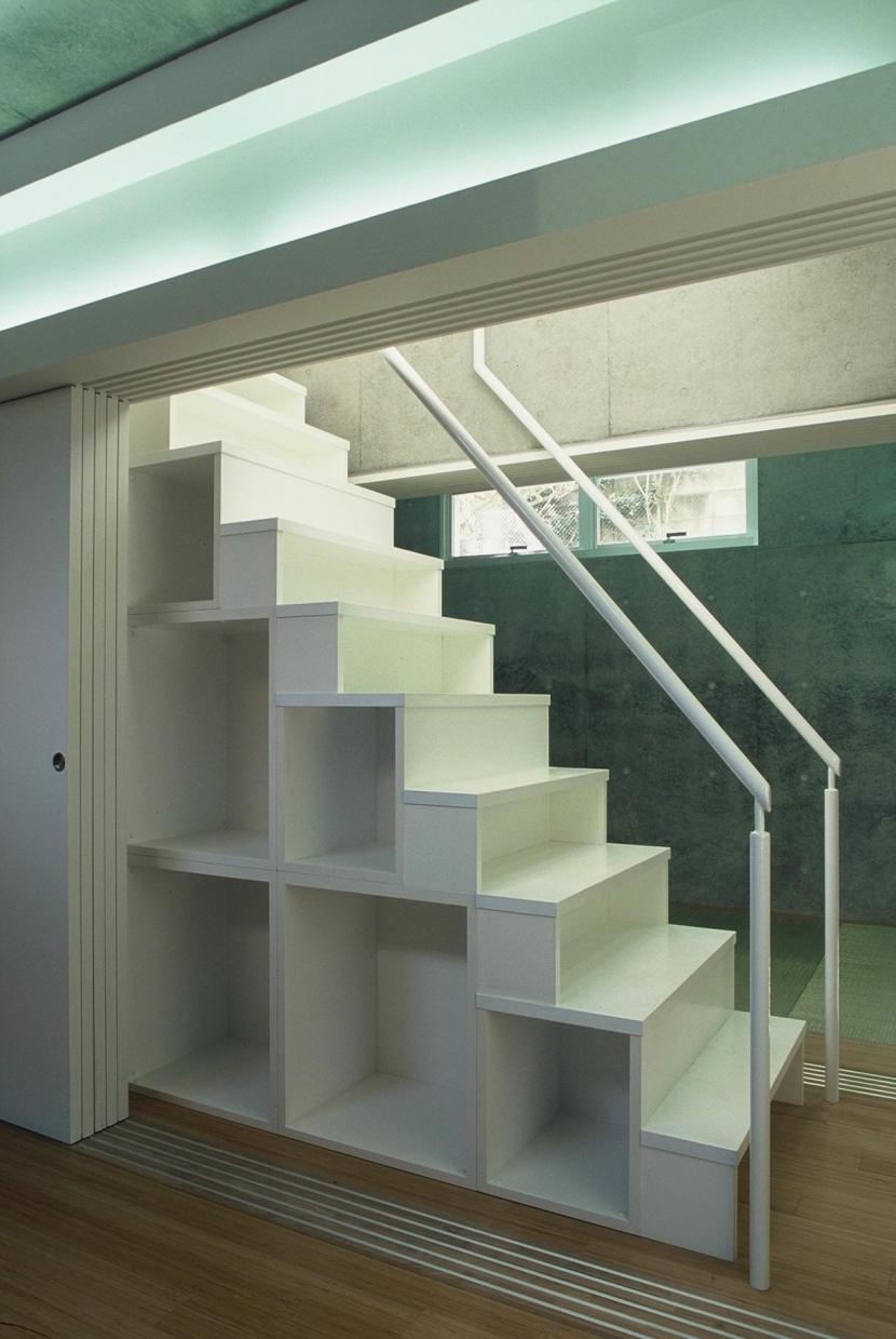 コトノハ舎 (収納階段)