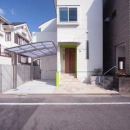 西荻の家(アーチ屋根と自然素材による木造住宅) (外観(西側道路面))