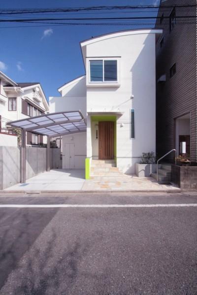外観(西側道路面) (西荻の家(アーチ屋根と自然素材による木造住宅))