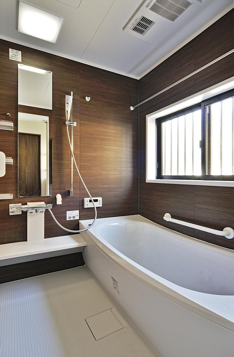 バス/トイレ事例:浴室(二世帯の家族が集う、カウンターバーのあるLDK)