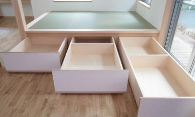 畳下収納(引き出し形式の大型収納ボックス)|西荻の家(アーチ屋根と自然素材による木造住宅)