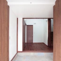 善福寺の家(広い庭とビルトインガレージのある2世帯住宅)