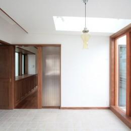 善福寺の家(広い庭とビルトインガレージのある2世帯住宅) (ダイニング)