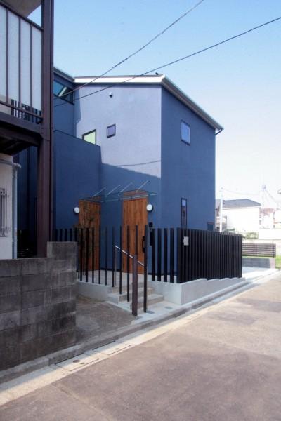 道路側の外観 (大泉の家(大きなロフトとルーフテラスのある2世帯住宅))