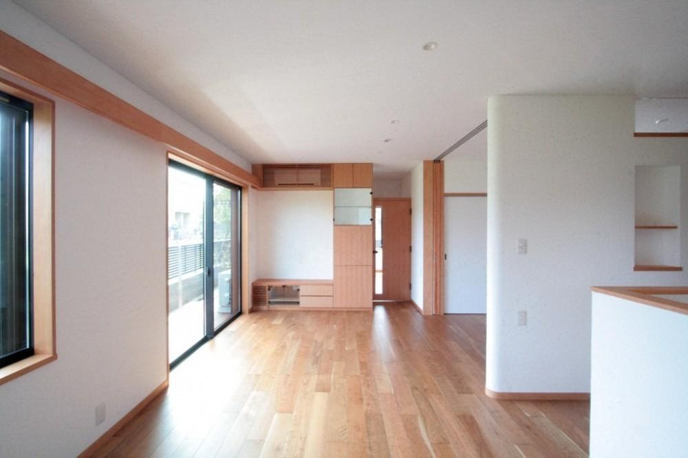 大泉の家(大きなロフトとルーフテラスのある2世帯住宅) (リビング・ダイニング(1階、親世帯))
