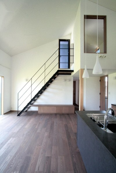 リビング、ダイニング、キッチン(2階、子世帯) (大泉の家(大きなロフトとルーフテラスのある2世帯住宅))