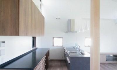 キッチン(2階、子世帯)|大泉の家(大きなロフトとルーフテラスのある2世帯住宅)