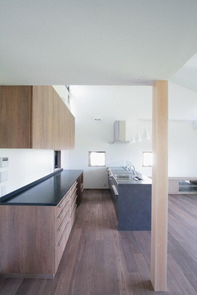 大泉の家(大きなロフトとルーフテラスのある2世帯住宅) (キッチン(2階、子世帯))