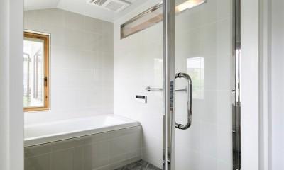 バスルーム|F邸_庭の緑と空間を楽しむ住まいをつくる