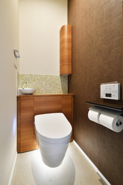 トイレ (F邸_庭の緑と空間を楽しむ住まいをつくる)