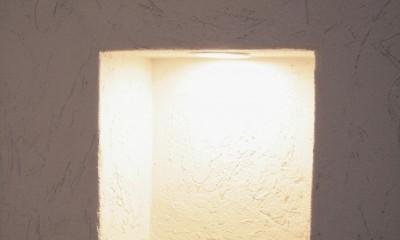 ニッチ(小物の飾り棚)|大泉学園の家(薪ストーブを設けた吹抜けを中心とした自然素材の家)