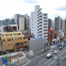 house KK三角形敷地に建つオブジェ (外観)