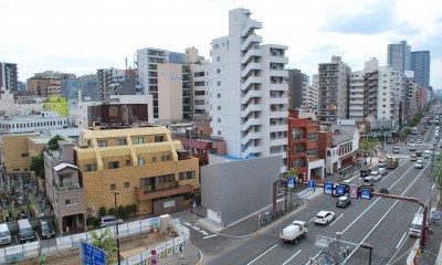 house KK三角形敷地に建つオブジェ