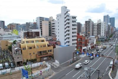 外観 (house KK三角形敷地に建つオブジェ)