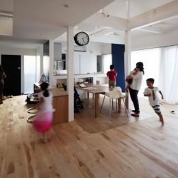 回遊できる家 – 長く子供と仲良く、築46年の回遊できる家<リノベーション> – (回遊)