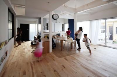 回遊 (回遊できる家 – 長く子供と仲良く、築46年の回遊できる家<リノベーション> –)