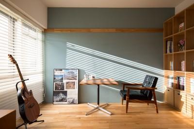 趣味部屋 (reimportant~「ストックホルムにある和風旅館」のような…そんなイメージを大切につくりあげた住まい~)