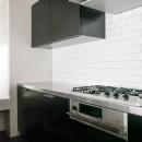 モールテックスキッチンのシンプルリノベーションの写真 コンロ台
